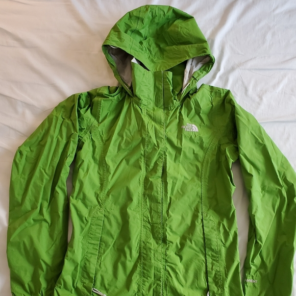 The North Face Jackets & Blazers - The North Face Hyvent DT Jacket - Green
